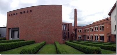 altes und neues Fabrikgebäude