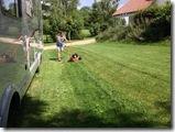 Rasenmähen mit Uschi