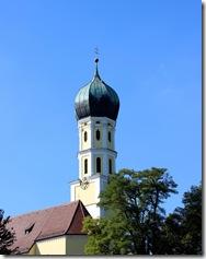 typische bayrische Zwiebelturmkirche