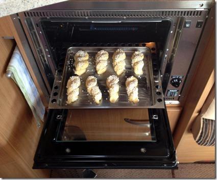 im vorgeheizten Ofen backen