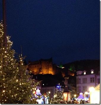 3. Weihnachtsmarkt + Schloss