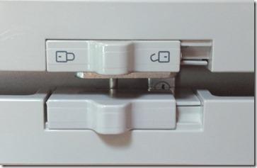 Kühlschrankverschlüsse, oben alt, unten neu
