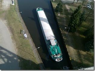 Einfahrt Frachtschiff