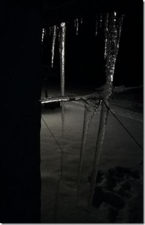 Eiszapfen bei Nacht